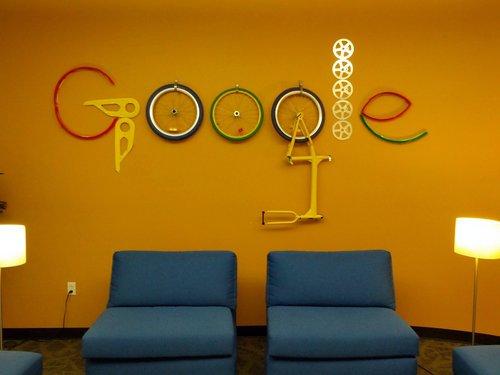 Google Logo aus alten Metall